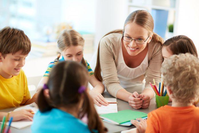 Lärare skapar inlärningsmiljön för dyslexikusstudent | Hurbuzz