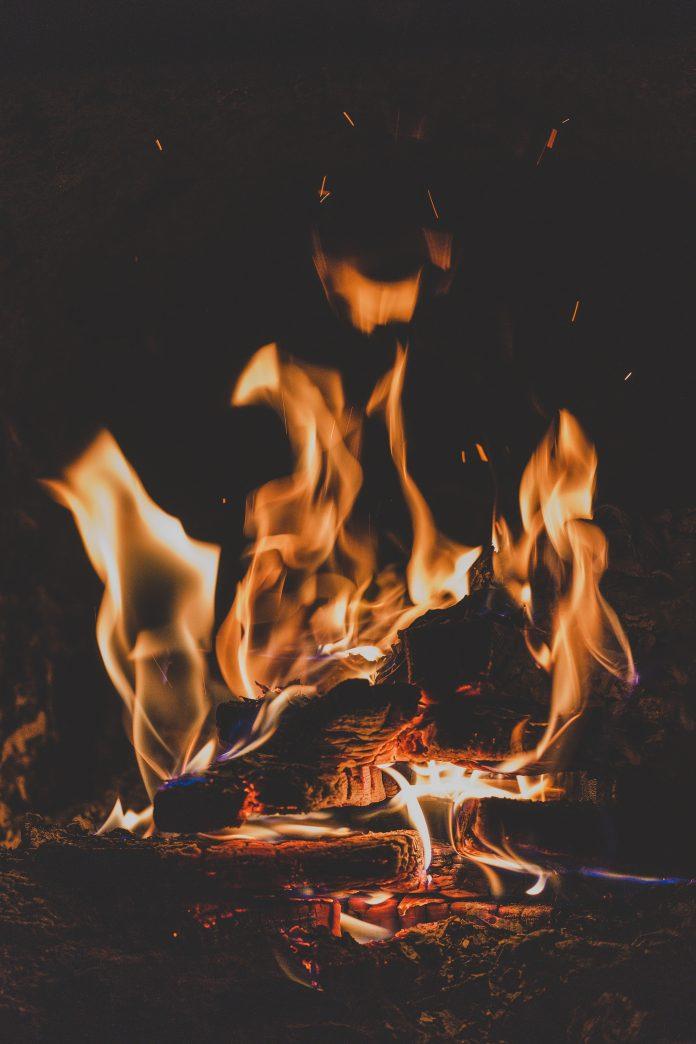Så kan du ha en eldstad inomhus utan skorsten eller utomhus eldstad utan skorsten | Hurbuzz