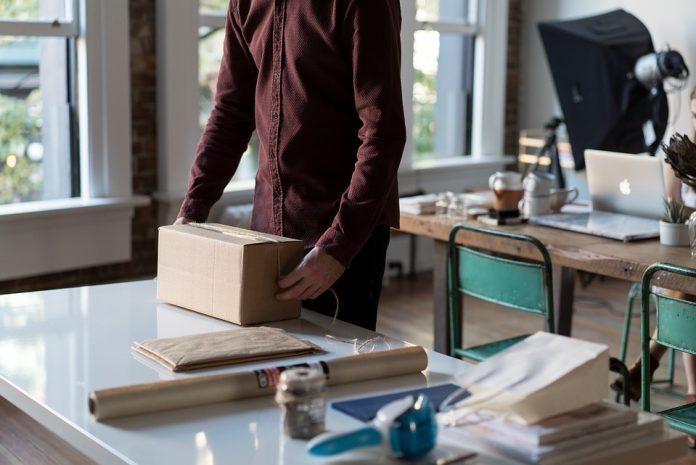 Allt du behöver veta om att skicka paket | Hurbuzz